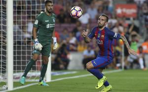 Paco Alcácer reconoce que jugar junto al tridente es un privilegio