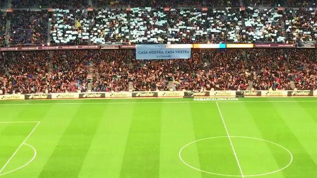 El recibiemiento del Camp Nou a sus jugadores