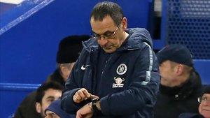 Sarri parece contar las horas que le quedan en el Chelsea