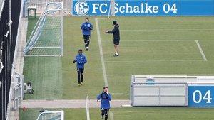 El Schalke vuelve a entrenarse con rígidas medidas de seguridad