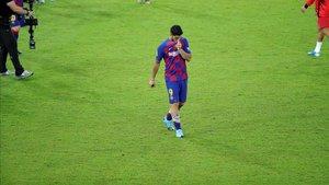 Suárez salió del campo abatido por la derrota