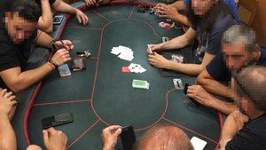 Una tienda de Alicante ocultaba una sala de timbas de póker ilegales