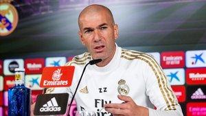 Zidane comparece ante los periodistas