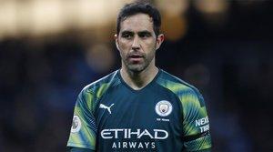 Claudio Bravo podría dejar el Manchester City y fichar por el Monterrey de México
