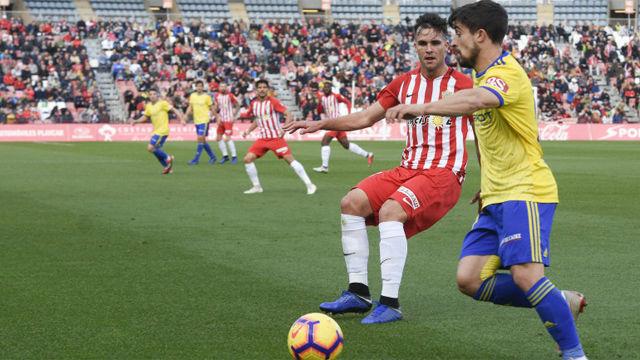 Empate sin goles entre Almería y Cádiz para mantenerse en la zona noble de la tabla