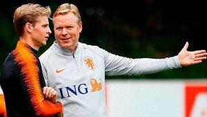 De Jong y Koeman, juntos en la selección