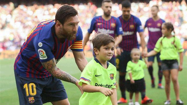 Messi disfruta viendo entrenar a su hijo con la Barça Academy