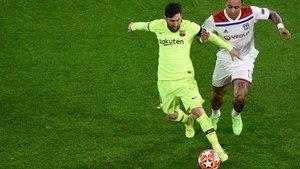 Messi no tuvo su noche en el campo del Olympique Lyon