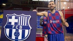 Mirotic ya deslumbra con el Barça