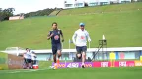 Neymar vuelve a entrenar en la cancha y se reintegra al grupo
