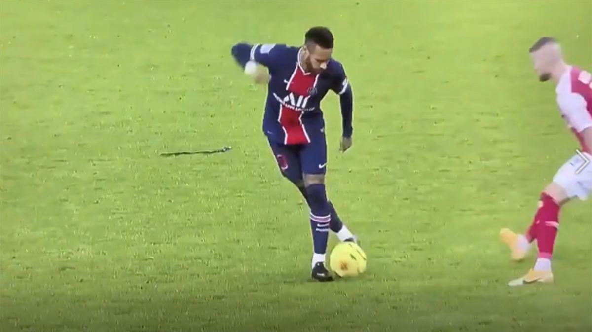 ¡Un regate de rabona! Neymar vuelve a hacer de las suyas en París