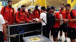 La selección española, este lunes en el Aeropuerto de Barajas