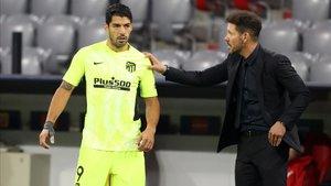Suárez y Simeone conversando