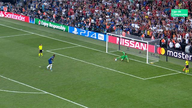 Así paró Adrián el penalti decisivo y se convirtió en el héroe del Liverpool