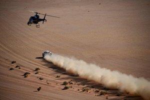 Carlos Sainz del equipo JCW X-RAID durante la etapa 11 del Rally Dakar 2020 entre Shubaytah y Haradh.