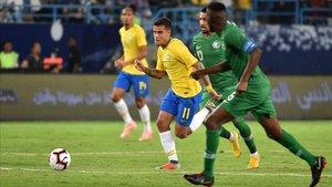 Coutinho, durante el partido ante Arabia Saudí