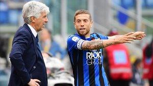 Gian Piero Gasperini y el Papu Gómez, emblemas del Atalanta fuera y dentro del campo
