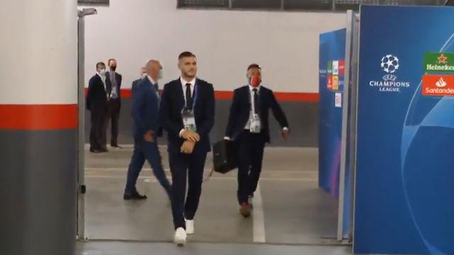 La imagen más curiosa de la jornada: la llegada de Neymar