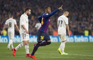 Imágenes de la celebración de Malcom del gol del empate del partido de ida de las semifinales de Copa del Rey entre el FC Barcelona y el Real Madrid