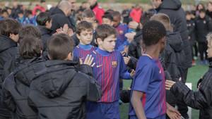 Los benjamines del Real Madrid le hicieron el pasillo de campeones a los del Barça