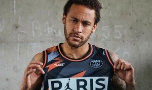 Neymar, con la nueva línea de equipaciones del PSG, Air Jordan