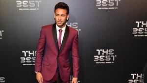 Neymar goza de privilegios que otros compañeros suyos no tienen en el PSG