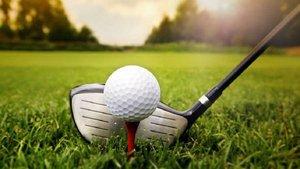 Un padre mata a su hija de un bolazo mientras jugaba a golf