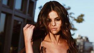 Selena Gómez derrite a sus seguidores con una publicación de su infancia | El Periódico