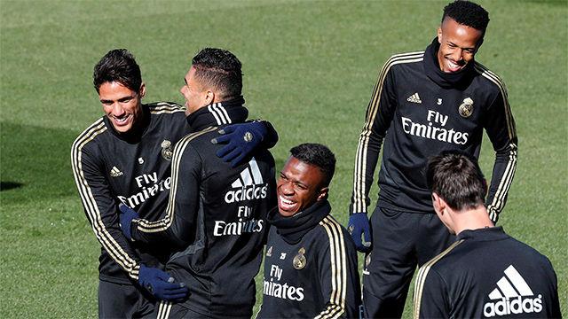 Último entrenamiento del Madrid antes de visitar Ipurua