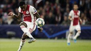 El Ajax venció al Lille por 3-0 en su debut europeo