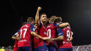 Chimy Ávila celebra con sus compañeros el tanto ante el Leganés