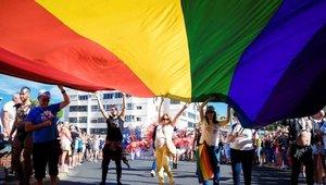La controversia comienza en plena fiesta del Orgullo