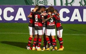 El Flamengo, con seis futbolistas con coronavirus.