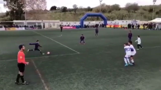 El golazo de David Escoda con el Alevín C del Barça
