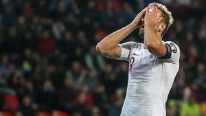 Inglaterra debe levantar cabeza tras caer 2-1 frente a la República Checa