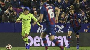 Jeison Murillo en acción durante el Levante-Barça de la Copa 2018/19