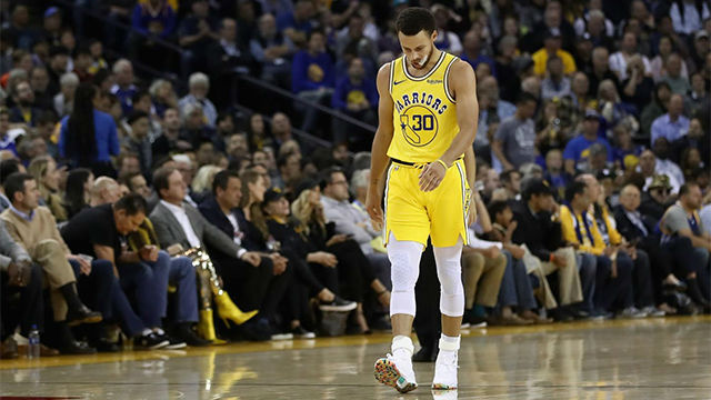Los Warriors caen ante los Bucks y Curry se lesiona