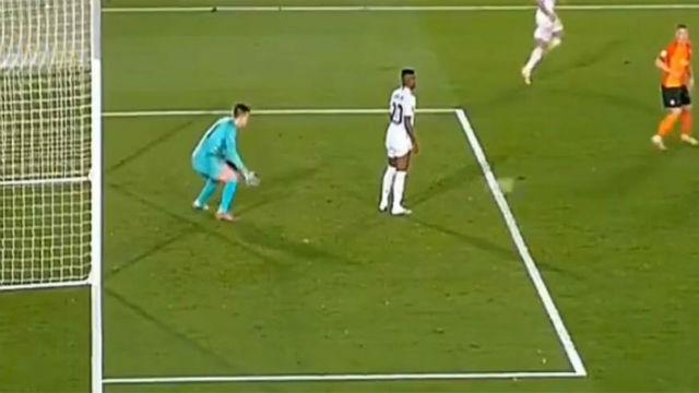 El Madrid conoce el VAR: Así anuló el árbitro el gol del empate en el último minuto