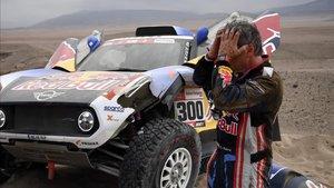 Carlos Sainz, desesperado tras su accidente del tercer día