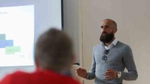 Bruno Saltor compagina el fútbol con las acciones solidarias