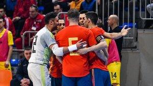 España necesita la victoria este martes contra Serbia
