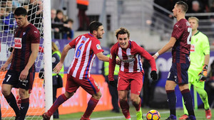 Griezmann cerró la victoria del Atlético en Eibar
