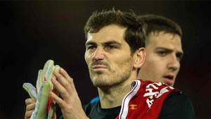Ike Casillas la lió en twitter