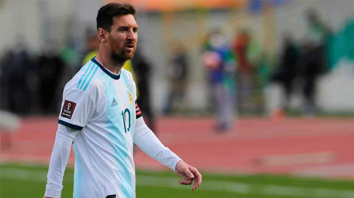 Koeman no rotará a Messi tras jugar con Argentina