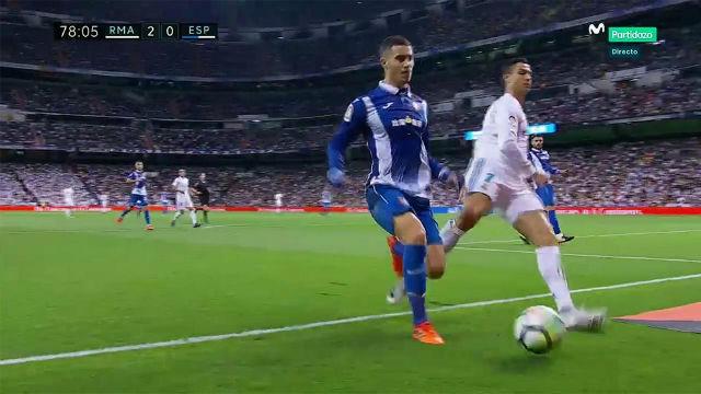 LALIGA | Real Madrid-Espanyol (2-0): Intento de patada de Cristiano Ronaldo