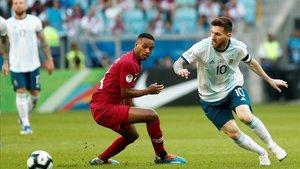 Leo Messi capitaneó a Argentina en un partido a cara o cruz