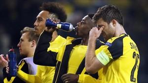 Los jugadores del Dortmund jugaron afectados por el incidente de ayer