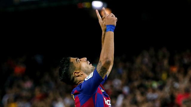 Luis Suárez volvió...¡y tardó un minuto en marcar este golazo!