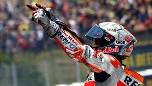 Márquez celebra su triunfo en Montmeló