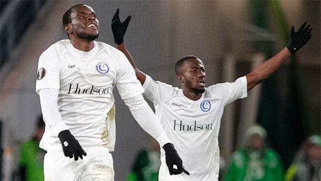 Michael Ngadeu-Ngadjui certificó la victoria del Gent ante el Wolfsburgo